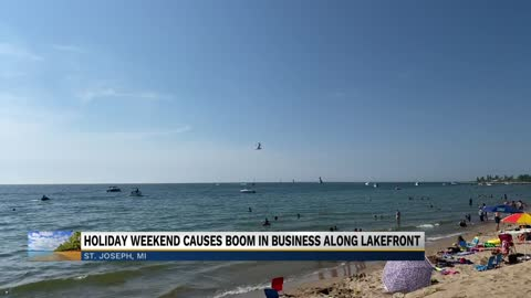Lakefront businesses hoping holiday will help pandemic rebound